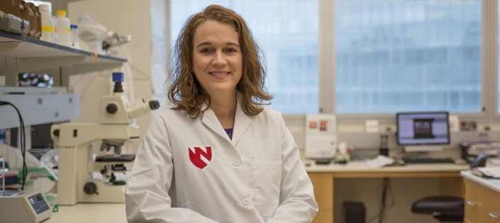 Dr. Tammy Kielian's research makes discovery in fight against Staphylococcus aureus.